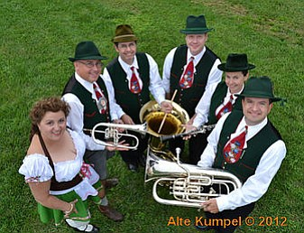 Alte Kumpel is comprised of local musicians.