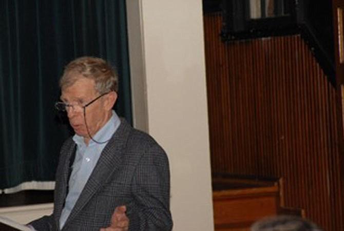 Douglas Cobb introduces panelists.