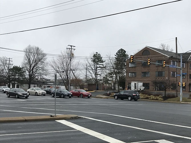 The East Spring Street Widening Project in Herndon is in the Development Stage. VDOT welcomes all citizens to their upcoming Public Design Hearing on March 8, 6:30-8:30 p.m. at the Herndon Community Center.