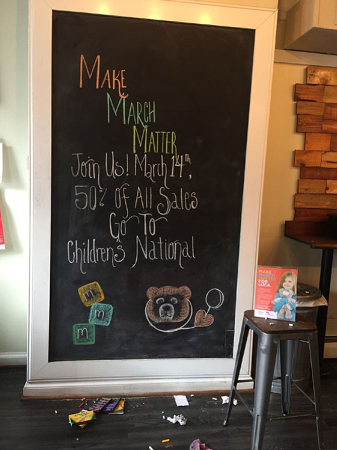 Blackboard at Dolci Gelati supporting Children's National Health System.