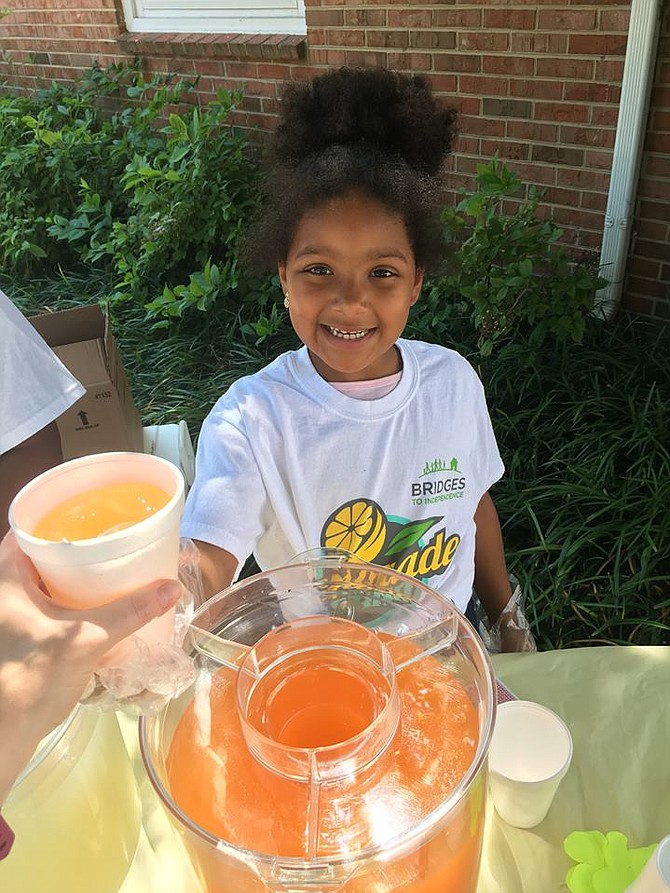Bridges to Independence lemonade stand in 2017.