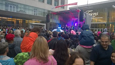 Hundreds of Mandisa fans gathered at Tysons Corner Center Friday evening to watch a music star sing in the rain. The three-time Grammy Award nominee and 2014 winner did not disappoint as concert goers danced beneath umbrellas while watching her perform through their smartphones.