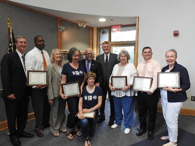 Elected officials with the winners of the Best of Braddock Awards.