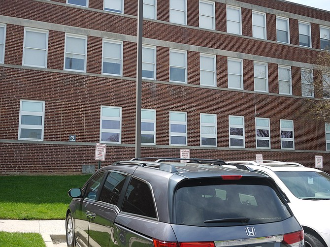 "Looking at the Virginia Hospital Center psychiatric unit (first floor) from the outside: it is above ground and has windows, but mental health advocates say the impression inside is that it is dark and basement-like. Improved location/design of the mental health unit at the hospital is one of 4 ""asks"" listed by Arlington's CSB."