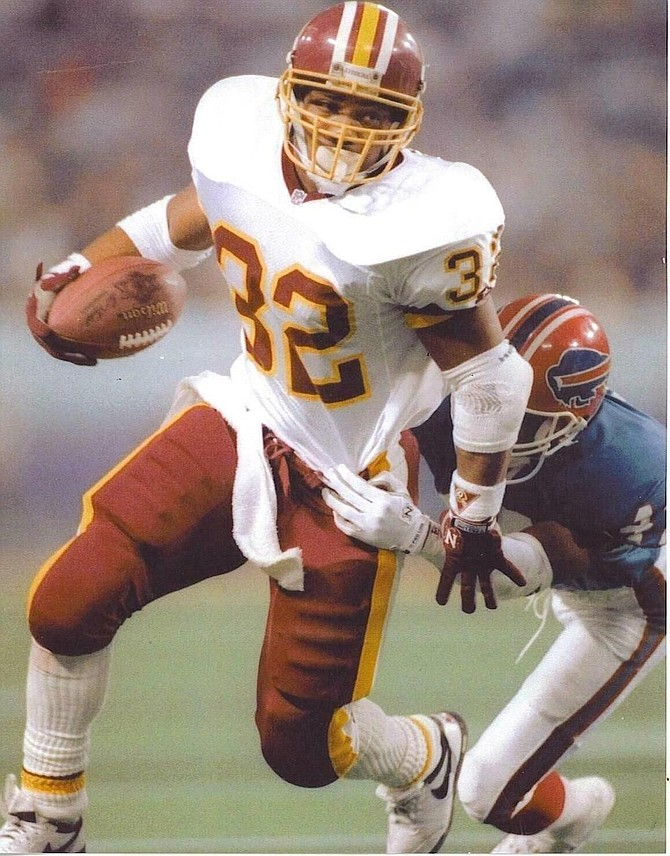 Former Washington Redskins running back Ricky Ervins, shown in Super Bowl XXVI against the Buffalo Bills, will be the guest speaker at the Alexandria Sportsman's Club Redskins Night Nov. 14 at the Old Dominion Boat Club.