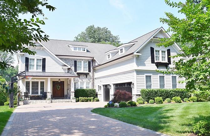 House 2 (River Oaks)