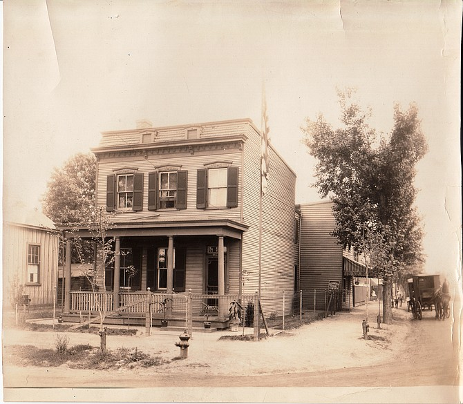 1022 Pendleton St. in the late 1920s.