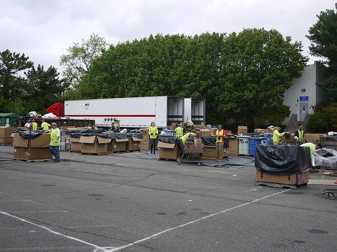 E-cycling day in Arlington attracts a large volume of material turned in by residents.