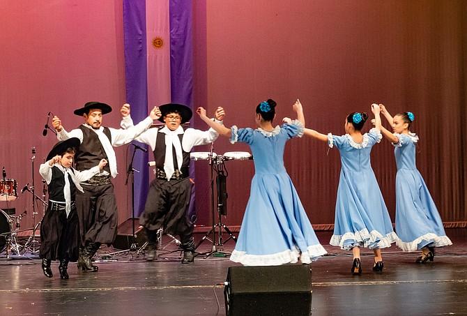 Dancers from the Chakaymanta School.