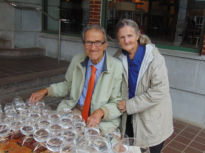 Jamey Turner and his wife Mary in front of the Torpedo Factory.