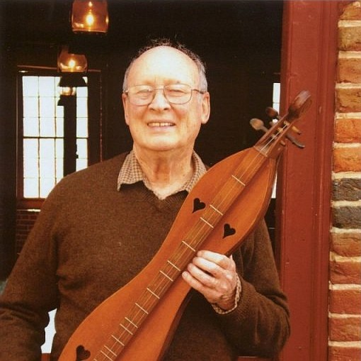 Reston resident and acclaimed dulcimer player Ralph Lee Smith, 91, will perform in concert.