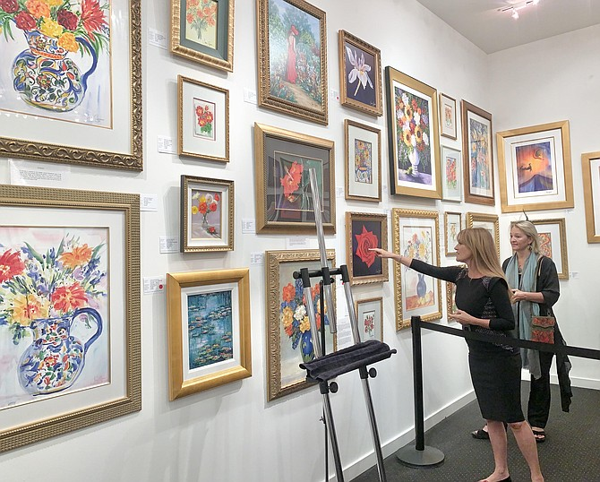 Jane Seymour presenting her artwork at the Wentworth Gallery in Tysons Galleria.
