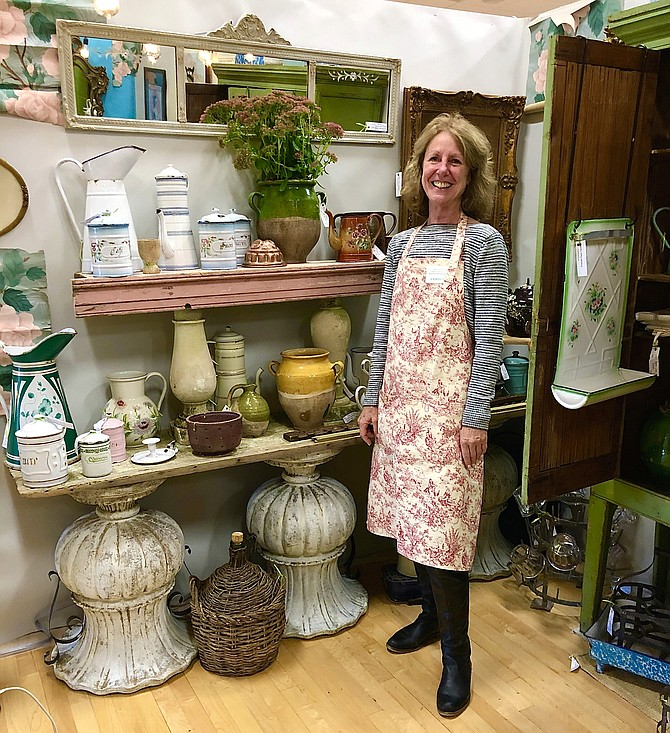 """Mary Homer traveled from her antique shop, MSealie's in Pennsylvania, to share her """"Farmhouse with French Flair"""" style with the people of McLean."""
