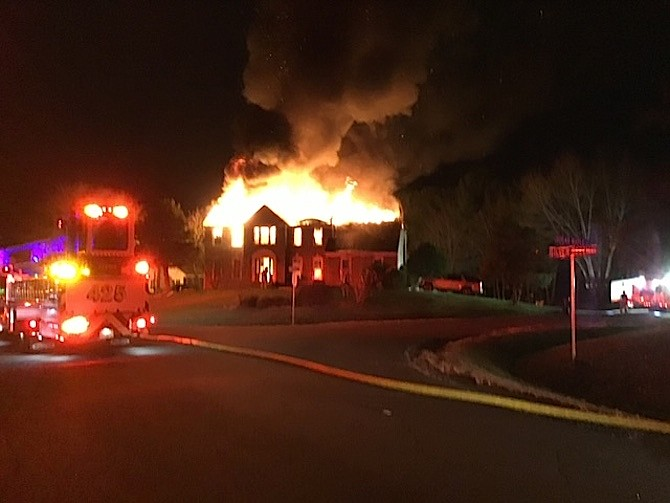 Fire engulfs Herndon home early Monday morning.