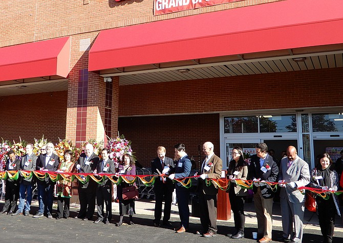Cutting the ribbon on the new H Mart at 11200 Fairfax Blvd. in Fairfax City.
