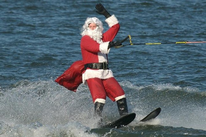Waterskiing Santa!