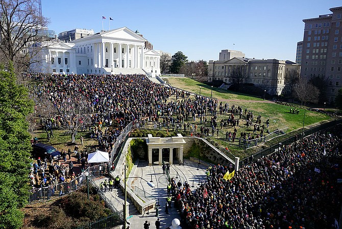 Capitol Police estimated around 22,000 people attended gun rights rally in Richmond on Monday, Jan. 20, with 6,000 entering the secured area where weapons were not allowed.