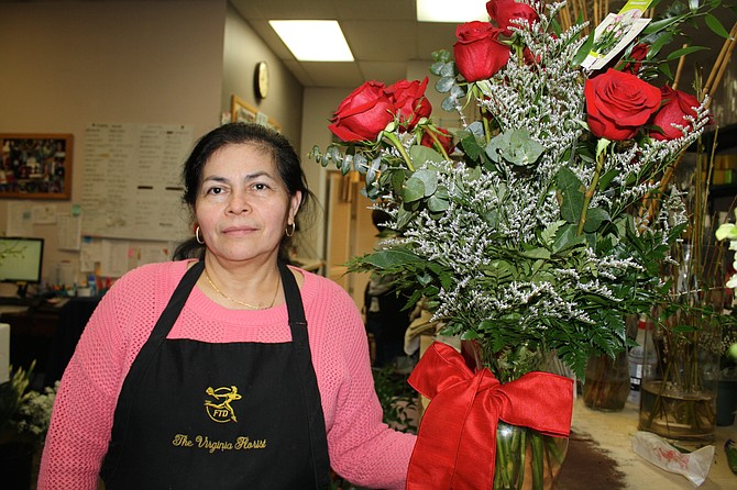 Ledis Reyes with the rose bouquet ready for Valentine's Day.