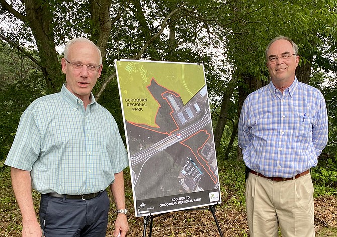 Donors Laing Hinton and Bill Lynch transfer Fairfax County land stewardship to NOVA Parks.