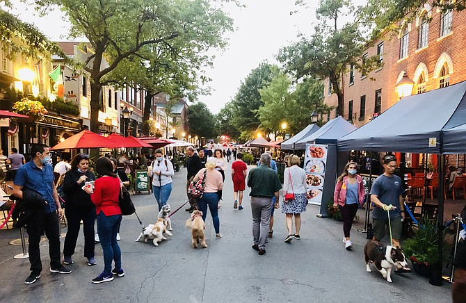 If customers inside stores along King Street are not wearing masks, they could get hit with a $500 fine. Masks are also required outside those stores on the busy sidewalks along King Street, but members of the Alexandria City Council rejected an effort to create a similar civil penalty for the outdoors.