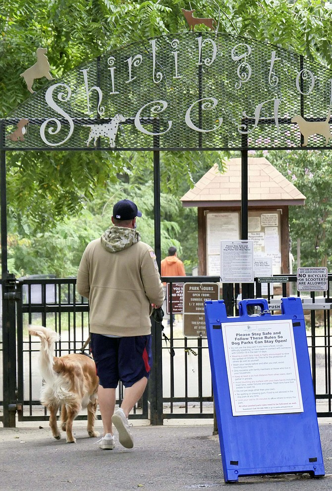 Shirlington Dog Park hosts both dogs under 25 pounds in its small dog park located at the beginning of the trail and larger dogs along its quarter mile trail running along 4-Mile Run stream. It can be crowded and rowdy so may not be for every dog.