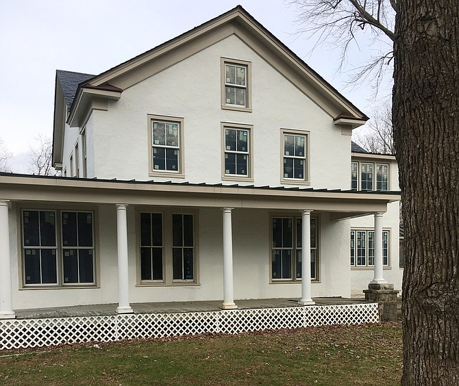 The White House at the corner of Travilah and Glen roads could become a country inn restaurant if owner Robert Eisinger gets approval for a sewer extension.