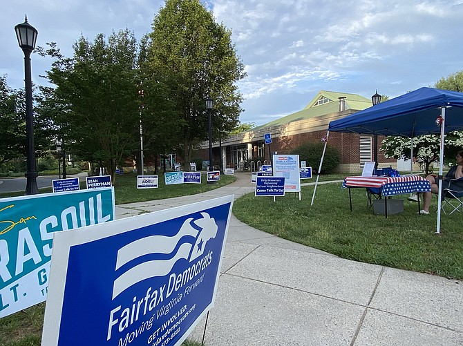 Precinct 328 Hickory at the Great Falls Library – No lines early Tuesday morning at the County of Fairfax Democratic Party Primary, Tuesday, June 8.